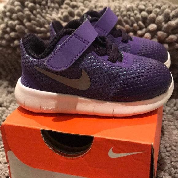 brand new a6266 1ff80 Toddler Nike free RN 4C purple. M 5b67980bf414524a61ab74ae
